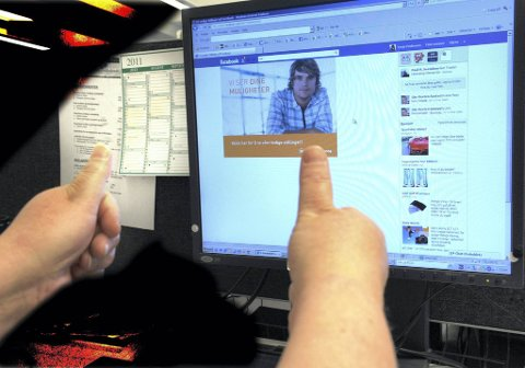 Stadig flere bruker sosiale medier i jobbjakten. Bedriftene har for lengst gjort sitt inntog på blant annet Facebook.