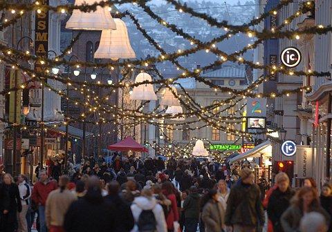 45 prosent av befolkningen misliker julehandelen.