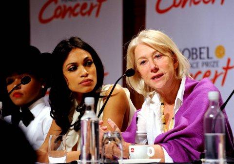 Vertskap for årets Nobels Fredspriskonsert er Helen Mirren (t.h) og Rosario Dawson.