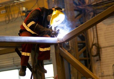Mange tillitsvalgte mener norske sjefer overser eldre arbeidstakerne og jobber for dårlig med tilrettelegging.