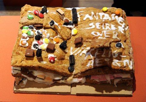 Mange pepperkakehus faller sammen på grunn av dårlig arbeid. Derfor har Sintef Byggforsk laget egne forskrifter for bygging av pepperkakehus.