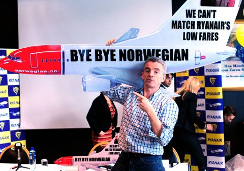 Ryanairs sjef Michael O´Leary hånet både SAS og Norwegian da han skulle feire nye milepæler i Oslo.