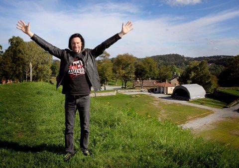 - YES!: Festivalgeneral og hardrockfantast Svein Bjørge slår rot i Halden med sin nye rockefestival. ? Nå starter jobben med å finne artister til neste år, sier Bjørge.
