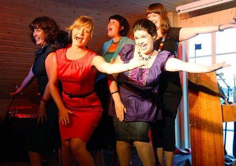 Sjarmerende: Jentene i Stilett presenterer en søt, florlett og musikalsk svært god forestilling på Scene Fangst. (foto: Bjørn-Tore Sandbrekkene)