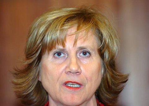 I en skriftlig redegjørelse til LO-sekretariatet fredag vil Gerd-Liv Valla ifølge Dagsavisen slå hardt og detaljert tilbake mot anklagene.