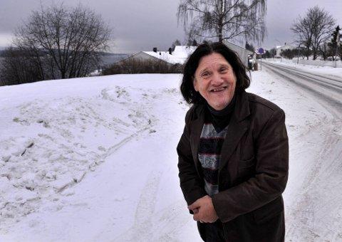 HISTORIE: Hilmar Bussi Karlsen er aktuell med boka Den magiske reisa om sitt liv og oppvekst som reisende.      FOTO: ASBJØRN RISBAKKEN