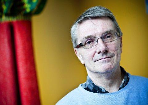 - HÅP: Psykiatrisk sykepleier og førstelektor ved Høgskolen i Oslo og Akershus, Dag Willy Tallaksen, mener selvmordskandidater kan reddes. ? Det handler om å tørre, om å lytte, om å spørre og om å være til stede. Tørre å føle på medmenneskers elendighet, sier han.