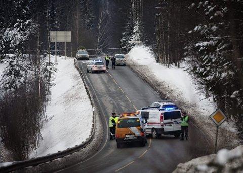 STAKK AV: Sjåføren av ulykkesbilen stakk fra stedet, etter at han kjørte på 54-åringen.  FOTO: Martin Lundsvoll