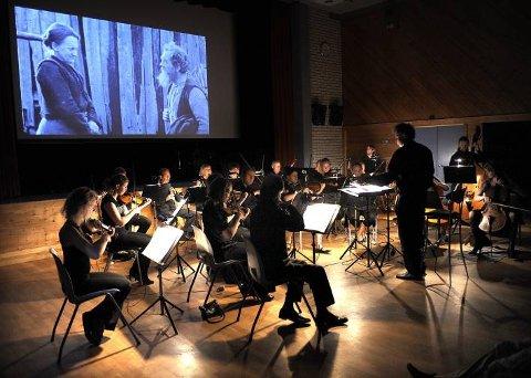 Helgeland Sinfonietta var sterkt med på å gjøre Markens Grøde til en opplevelse. Foto: Øyvind Bratt