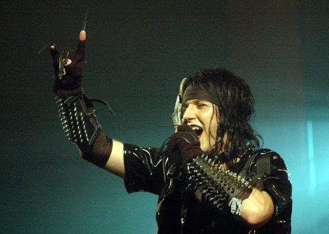 Et kraftig uvær gjorde at Wig Wam og vokalist Åge Sten Nilsen måtte avbryte fredagens konsert i Tysnes etter vel én time. (Arkivfoto: Halvor Titlestad)