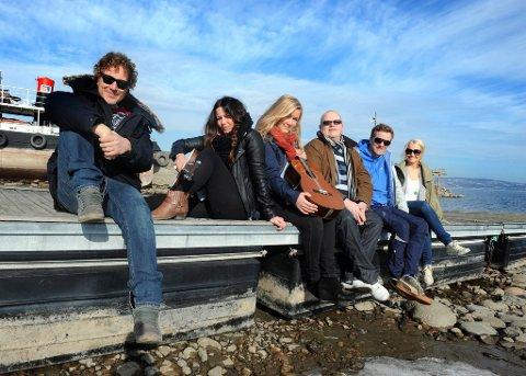 I SOMMERSOL: Gustav Nilsen, Hege Øversveen, Tone-Yvonne S. Nilsen, Ketil Hvindenbråten, Paul Håvard Østby og Kjersti Linnerud.