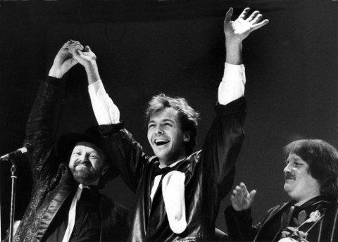nøkkelen: Romjulskonserten i Gjøvik kino i 1985 var Jan Øvlands nøkkel inn til Dag Kolsruds (midten) verden. Her er Kolsrud sammen med Viggo Sandvik og Geir Wentzel. Det lyktes dessverre ikke OA å få kontakt med Dag Kolsrud i arbeidet med denne reportasjen. Arkivbilde: Brynjar Eidstuen
