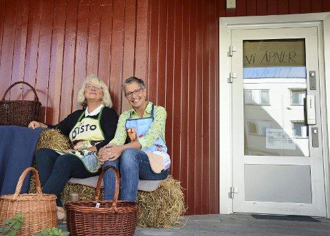 ÅPNER TORSDAG: Med inngang fra Meieritråkket er Hadeland Landhandel åpningsklar torsdag. Birgitta Smedsrud og Torun Sørli håper kunder vil bruke det nye butikktilbudet i Gran.