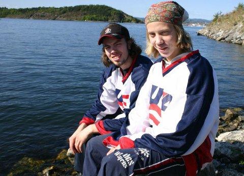 LILLEBROR «HERMER»: Patrik Wikstrand (foran) skal kombinere ishockey og skole i USA det neste året. Storebror Mats har allerede gått opp løypa på det samme skolelaget. FOTO: ESPEN SOLBAKKEN