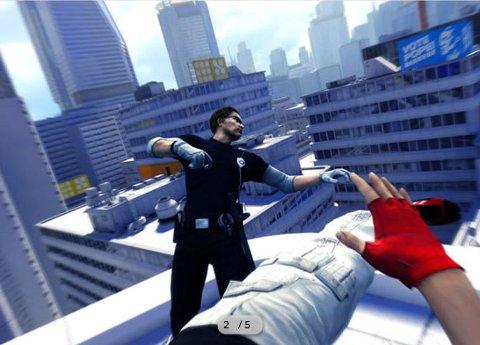 NÆRKAMP: Faith er like eksplosiv når ho kjempar mot politiet, som når ho hoppar frå tak til tak.