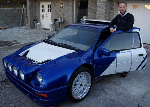 DYREST: Rallybilen Ford RS200 (Evo), en fullrenovert 1987-modell, er bilen vi kårer til Hadelands dyreste bruktbil i oktober 2014. En meget spesiell og svært sjelden bil, sier selger Thomas Kristiansen på Grua Auto.