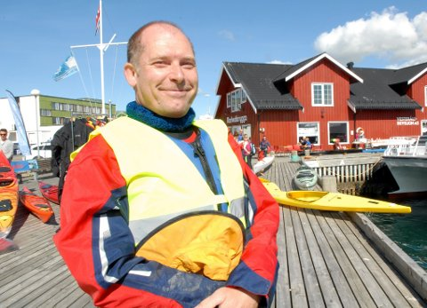 Remi Nyheim, leder i Vesterålen padleklubb, var godt fornøyd med været og tilstrømminga av mennesker på padledagen.