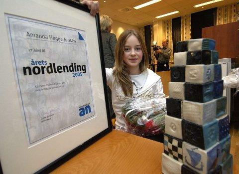 Ung hjelper. I en alder av       13 år har Amanda Hegge Jensen allerede klart å samle inn over 200.000 kroner til kreftsaken. For det ble hun i kåret til Årets Nordlending.Begge foto: Ernst Furuhatt