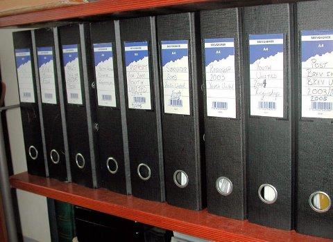 ORGANISERT: Det blir mange papirer når man registrer et varemerke, starter et plateselskap og driver en ungdomsorganisasjon.