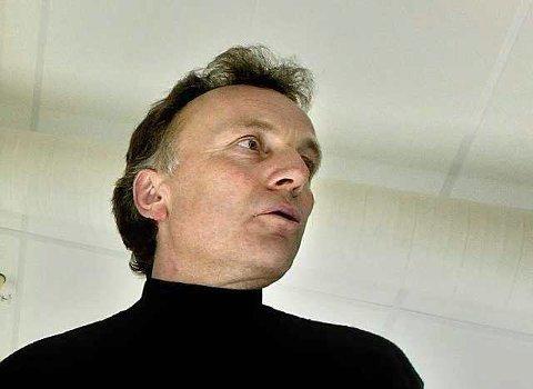 Sluttført: Helsesjef  Carl Erik Mathisen har sluttført Mattilsynets vedtak om å avslutte katteholdet på Omrestranda.