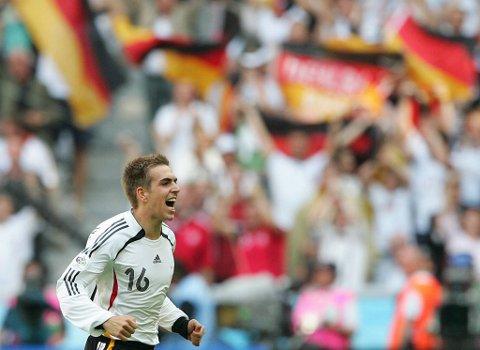 Tyske Philipp Lahm kan bli en utfordring for Portugal.