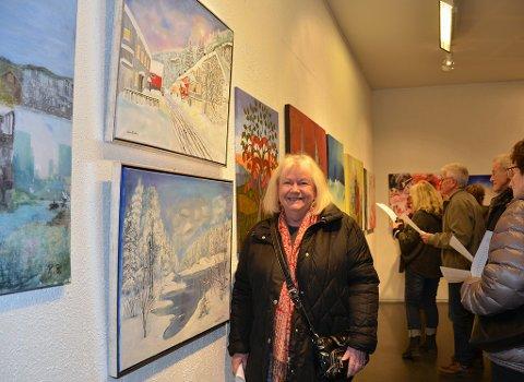 Ellbjørg Flatekval er en av de 18 lokale kunstnerne som stiller ut sine verker på Haustlys.