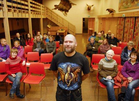 ?Leder i Vesterålen padleklubb, Remi Nyheim, samlet 22 stykker til årsmøte fredag.
