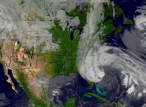 Uværet Sandy truer USAs østkyst.