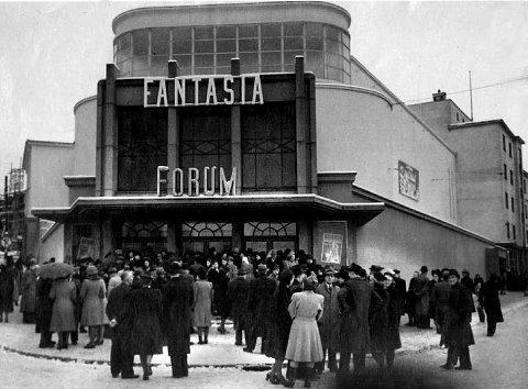 Forum Kino ble åpnet i 1946. Nå skal bygget selges til høystbydende. Her er et bilde fra storhetsdagene, rett etter åpningen.