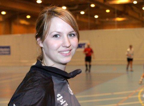 June Andenæs scora to mål i finalen i Sika Cup i Tyskland då Byåsen slo Oltchim Valcea.