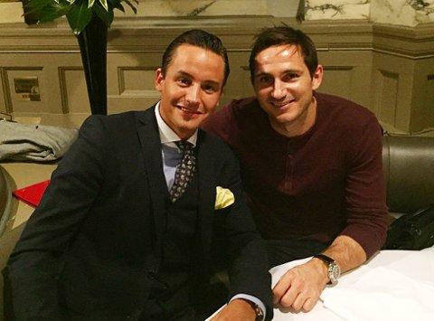Audun Sørseth (til venstre) hadde en hyggelig aften sammen med fotballproff Frank Lampard fredag kveld. Foto: Privat