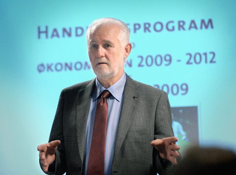Det er administrasjonen til rådmann Einar Evensen som må tåle mest når politikerne nå kutter i kommunebudsjettet. (Foto: Jarl M. Andersen)