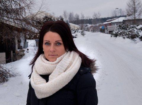 FORVENTNINGSFULL: - Jeg har sendt ut invitasjoner til de fleste legekontorer i Oppland og håper at mange vil melde seg på borreliose-konferanse, sier Beate Strandvik Kristiansen fra Raufoss.
