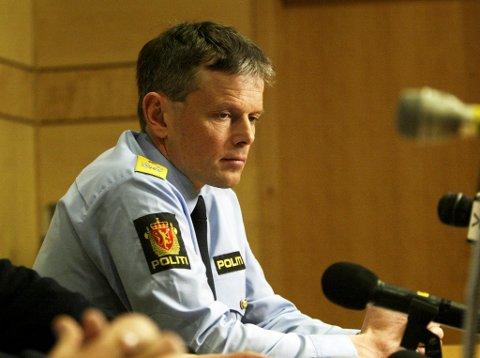 Arne Hammersmark kommer fra stillingen som visepolitimester i Rogaland. Her et bilde fra pressekonferansen i forbindelse med Nokas- ranet i 2004.