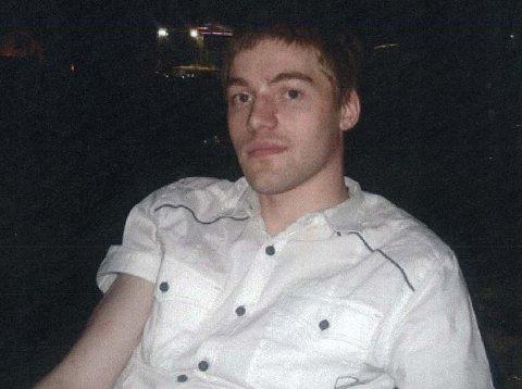 SAVNET: Politiet ber om tips fra folk som vet noe om den savnede Thomas Woll Nicolaysen (21).