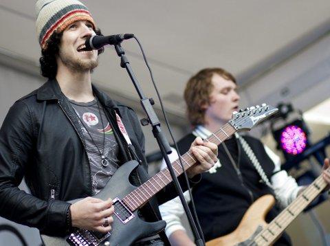 KONSERT: Bandet Autum Leaves synes det er fint å vise seg fram under Jessheimdagene. Foto: Lisbeth Andresen