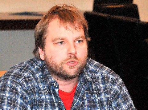 Tom Rune Olsen (Ap) lover å jobbe for å få til en ekstraordinær bevilgning til Sundbykåsa gård, etter å ha lest i PD om de seks psykiatripasientene som mister sitt tilbud der.