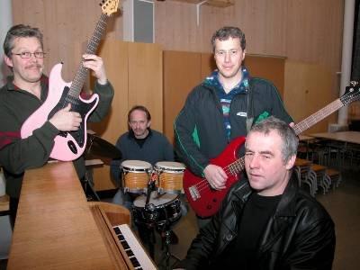 De fire initiativtakerne gleder seg til rockereunion-arrangementet i Utskarpen. Fra venstre Terje Johansen, Odd Solvang, Jann Harald Høgseth og Karl-Hans Rønning.