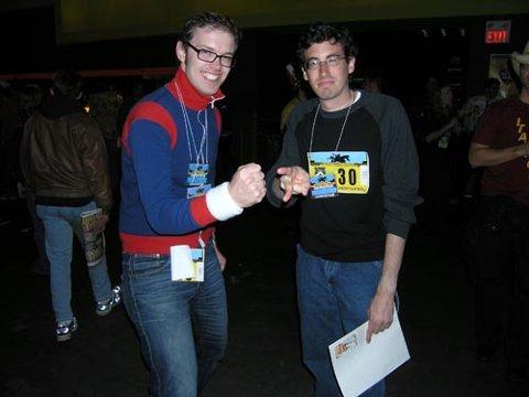 VM:  Geir Arne Brevik (til venstre) kom på 65. plass i VM i «stein, saks, papir» i Canada. Her sammen med en av sine konkurrenter.
