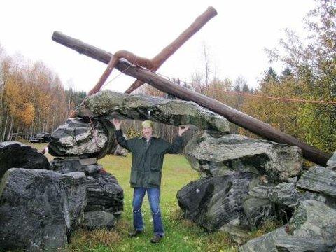 For naturen: Wolf Wolfsmoon vil bruke skulpturer til å redde Hobøl-elva. Ordfører og kultursjef liker ideen, sier han.