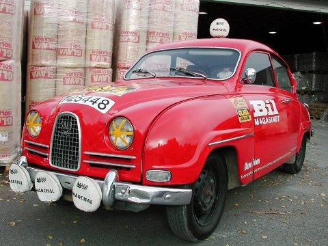 AERODYNAMISK: Saabs karosseri var svært moderne da bilen kom i salg i 1950. Modellen gikk ut av produksjon først i 1979.  ? Da hadde dom kænskje vørti litt kopete å sjå på, innrømmer bilentusiasten Eldar Vågan.