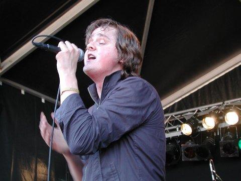 Årets vokalist. Tom Chaplin i Keane sang seg inn i manges hjerter i 2004. Dette bildet er tatt under årets Quartfestival.  Foto: Rune Slyngstad