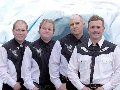 Steinar Engelbrektson band:  Frå venstre: Tor Ove Sjåstad, , Hans-Christian Humberset, Bjarte Haugen, Steinar Engelbrektson. Pressefoto