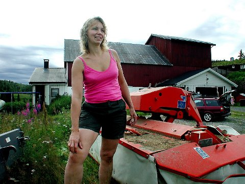HVIS MAN VIL: ? Man får til det man vil, sier Jelena Langvatn, som nå tar sikte på å øke antall båser i fjøsen.