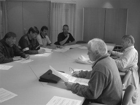 Jens Musgjerd (f.v.), Leif Larsen, Jon Ivar Eikeland, Carl S. Bjurstedt, Ola Bræin og Jostein Myrhaug i fagrådet behandlet saken på mandag.