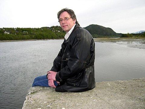 GJENNOMBRUDD:  Bjørn Brodtkorb mener  bevilgningen er et gjennombrudd for å få behandlet Vefsna  mot lakseparasitten.  (Foto: Geir Arne Glad)