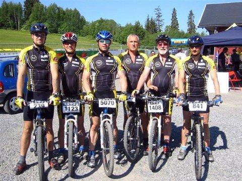 FØR START:   Deltakerne fra MOC før start i Raumerrittet. Fra venstre Raymond Lian, Nils Sørum, Tom Eriksen, Helge Lian, Jan Eriksen og Jan Gunnar Eidstø.
