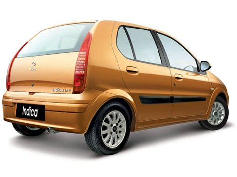 INDISK FRA HERØYA: Dette er den første bilen som vil bli produsert på den nye fabrikken i Porsgrunn.
