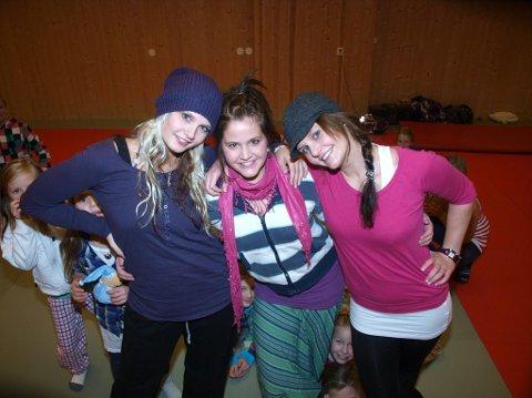 dansesøsken: Siw- Anja, Ann-Iren og Linn-Therese Thomle Svendsby jobber knallhardt med forestillingen «Fairytales can I dream» .