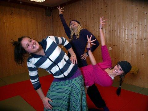 Dans er livet: Ann-Iren, Siw -Anja og Linn-Therese Thomle Svendsby vil satse alt på dans og show.